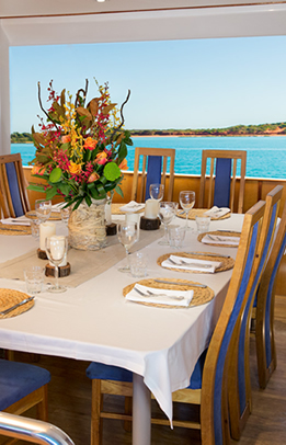 MV Great Escape dining